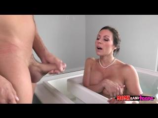 russkoe-porno-mamku-v-vannoy