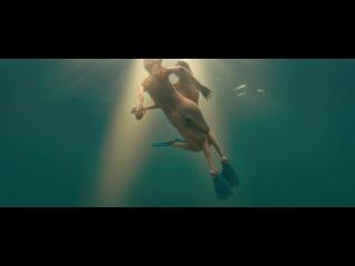 Хорошее фото-голые под водой обнаженные женщины идеальным